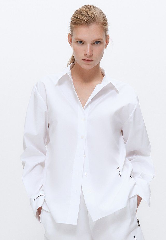 BESTICKTES - Button-down blouse - white