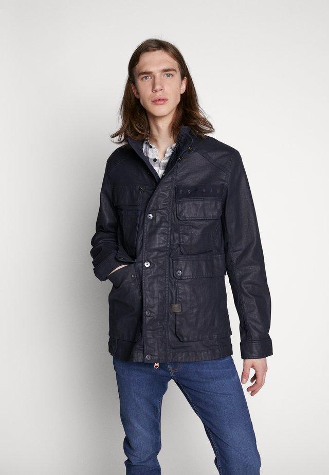 MULTIPOCKET FIELD - Summer jacket - rinsed