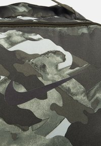 Nike Performance - UNISEX - Rucksack - white/sequoia/mtlc cool grey - 4