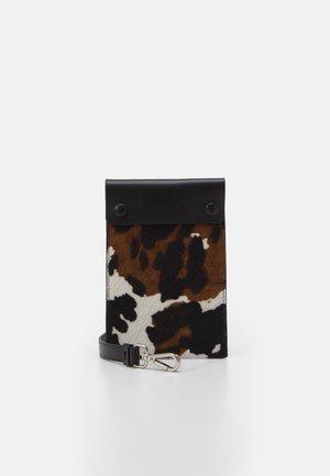 STRAP PHONE CASE UNISEX - Across body bag - black/nut/offwhite