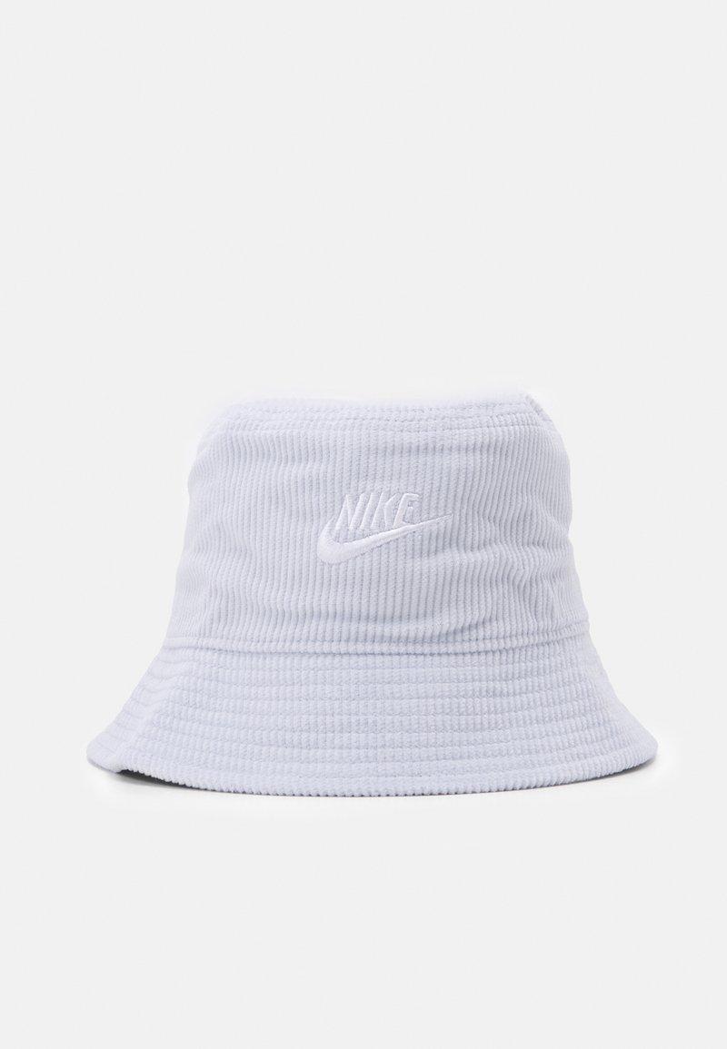 Nike Sportswear - BUCKET FUTURA UNISEX - Čepice - pure platinum/white