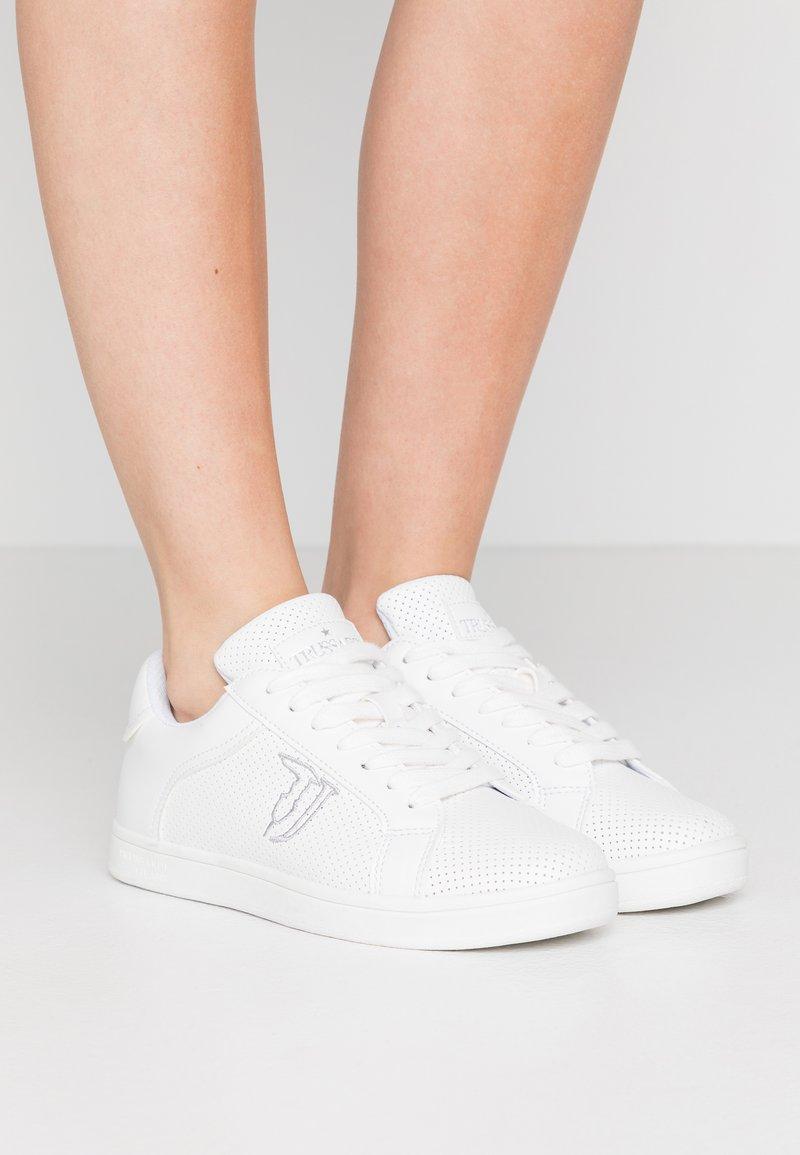 Trussardi Jeans - Sneakersy niskie - white