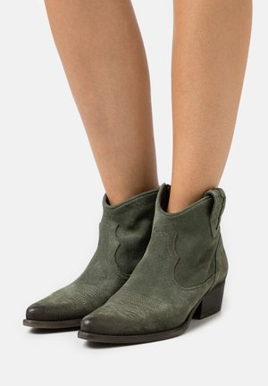 WEST - Cowboy/biker ankle boot - marvin birch