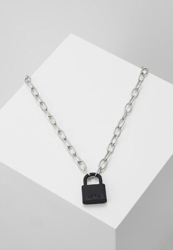 LOCKDOWN LINK CHAIN NECKLACE