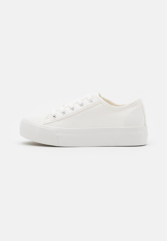MUNCHKIN DOUBLE SOLE - Sneakers laag - white