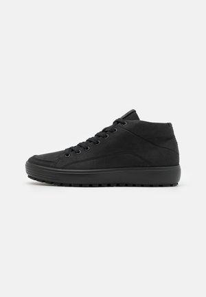 SOFT 7 TRED M MID-CUT  - Sneakersy wysokie - black