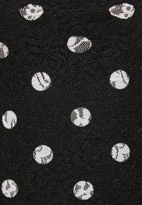 Guess - SHARY - Print T-shirt - black - 2