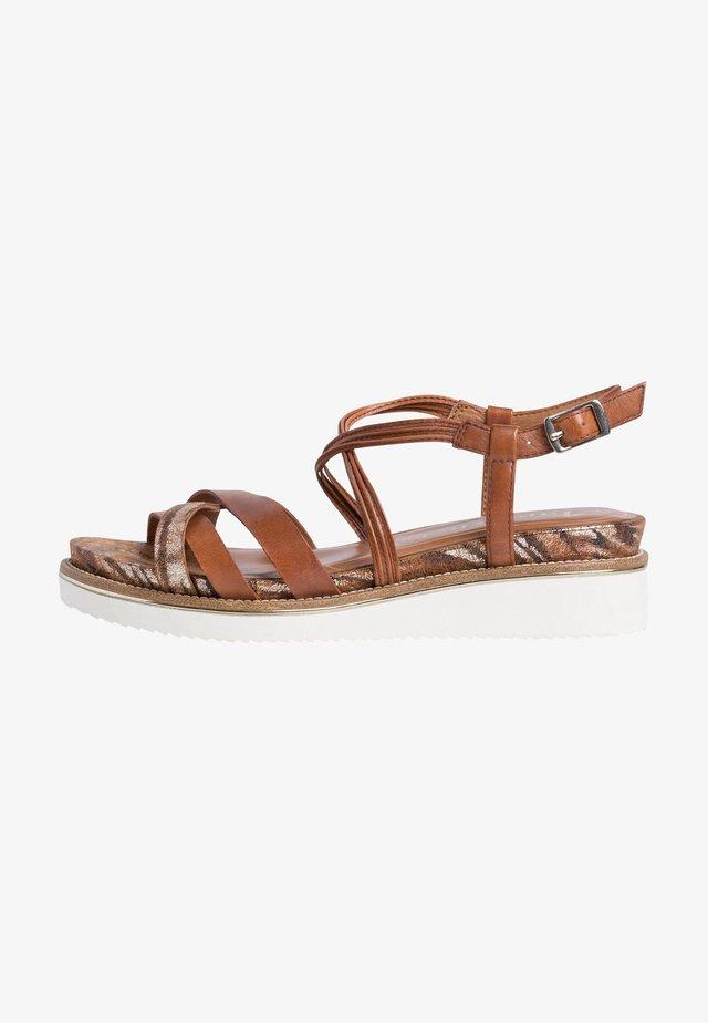 Sandalen met sleehak - nut comb