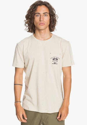 ENTRE PIN ET MER - Print T-shirt - parchment