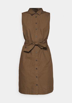 ESSENTIAL SHIRTDRESS MINI - Shirt dress - earth brown