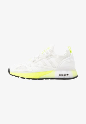 ZX 2K BOOST - Sneakersy niskie - footwear white/yellow
