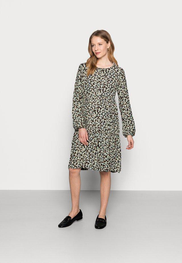 PCMUMISKA DRESS - Sukienka letnia - black olive/mint green