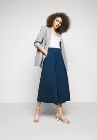 WEEKEND MaxMara - USSITA - Pantalon classique - chinablau - 1