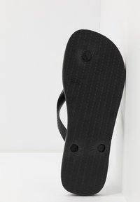 Havaianas - TOP LOGOMANIA UNISEX - Pool shoes - black/white - 4
