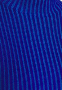 Holzweiler - EBO - Trui - blue - 2