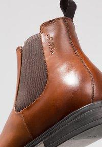 Vagabond - HARVEY - Kotníkové boty - cognac - 5