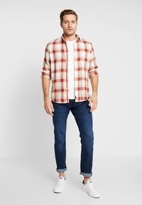 Tommy Hilfiger - DENTON BRIDGER - Jeans a sigaretta - denim - 1