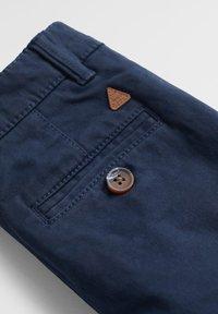 Mango - CHINO7 - Pantaloni - dunkles marineblau - 3