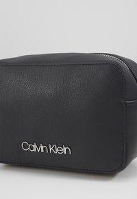 Calvin Klein - CAMERABAG - Skulderveske - black - 4