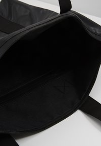 Rains - TOTE BAG RUSH - Velká kabelka - shiny black - 4