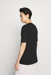 Love Moschino - T-shirt z nadrukiem - black - 2