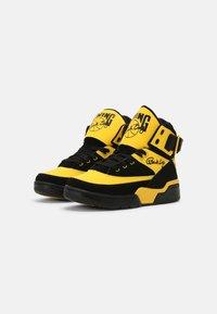 Ewing - 33 HI - Baskets montantes - black/dandelion - 1
