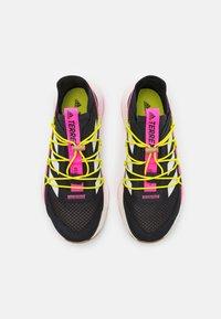 adidas Performance - TERREX VOYAGER 21 H.RDY  - Fjellsko - core black/chalk white/screaming pink - 3