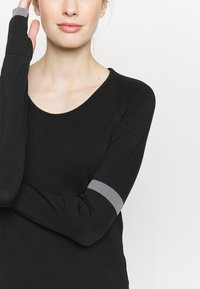 Even&Odd active - SEAMLESS  - Long sleeved top - black - 5