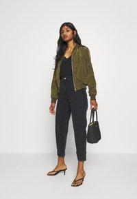 Miss Selfridge Petite - ARLO - Jeans Skinny Fit - black - 1