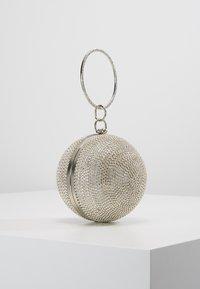 Mascara - Clutch - silver - 3