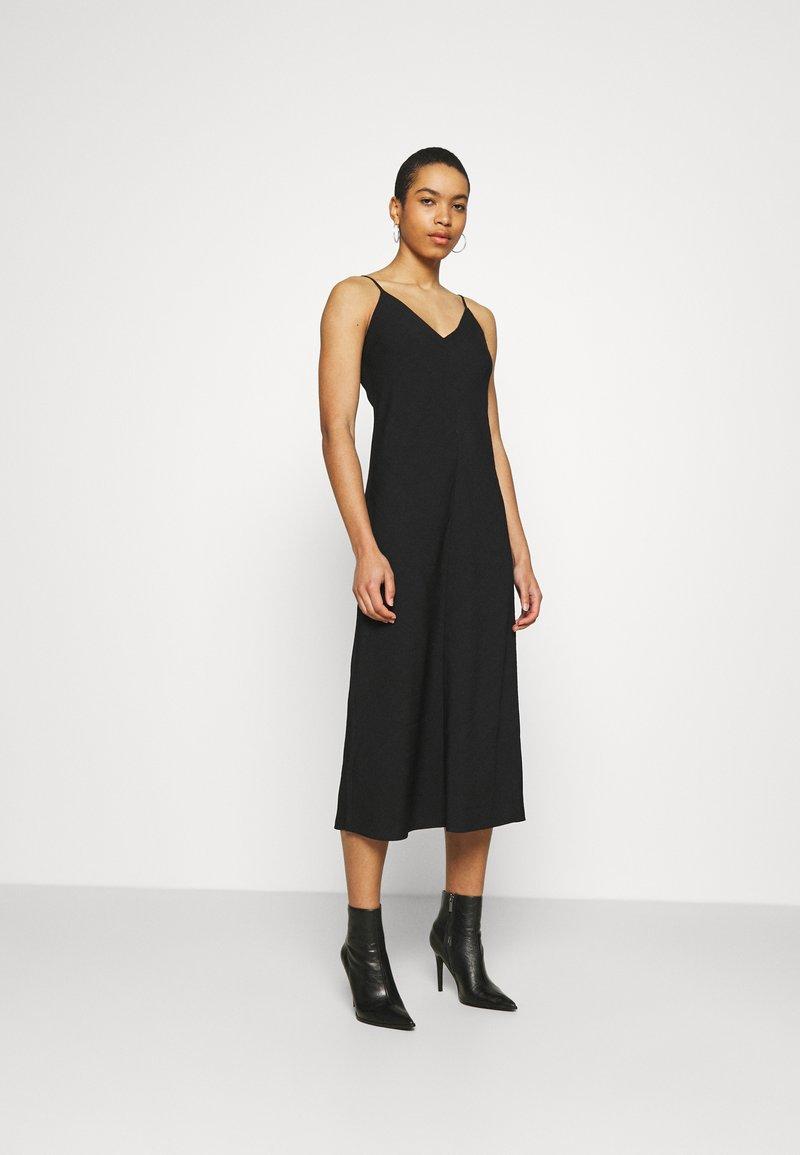 Banana Republic - V NECK MERROW EDGE SHEATH - Day dress - black