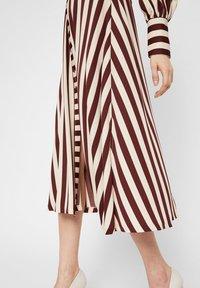 YAS - Shirt dress - rum raisin - 3