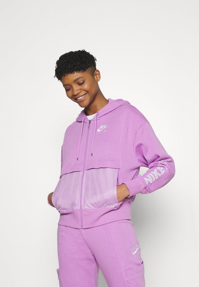 Nike Sportswear - Zip-up sweatshirt - violet shock/white