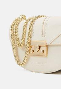 Seidenfelt - ROROS MOON - Across body bag - beige/gold-coloured - 3