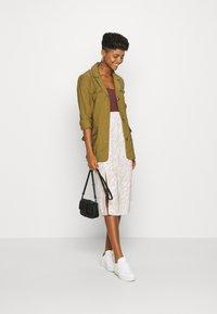 4th & Reckless - CAMDEN SKIRT - Pencil skirt - beige - 1