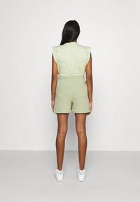 Nike Sportswear - EARTH DAY - Short - olive aura/galactic jade - 2
