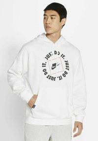 Nike Sportswear - Luvtröja - white - 0