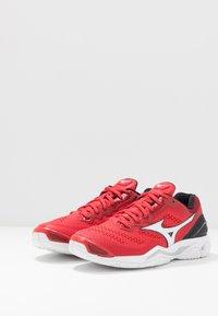 Mizuno - WAVE 5 - Handball shoes - tomato/white/black - 2