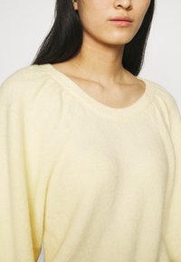 ARKET - SWEATER - Jumper - soft yellow - 4