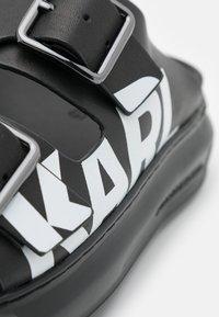 KARL LAGERFELD - KAPRI DOUBLE BUCKLE LOGO - Mules - black - 6