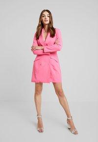 Missguided - BLAZER DRESS - Pouzdrové šaty - pink - 1