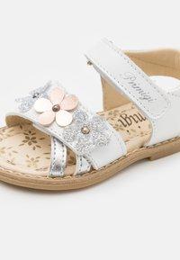 Primigi - Sandals - bianco - 5