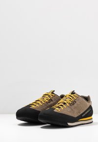 Merrell - CATALYST - Outdoorschoenen - brindle - 2