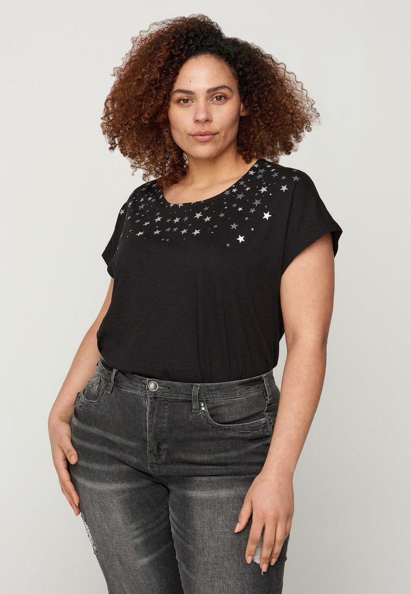 Zizzi - Print T-shirt - black stars