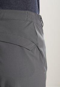 Jack Wolfskin - ACTIVATE LIGHT PANTS WOMEN - Kalhoty - dark iron - 4