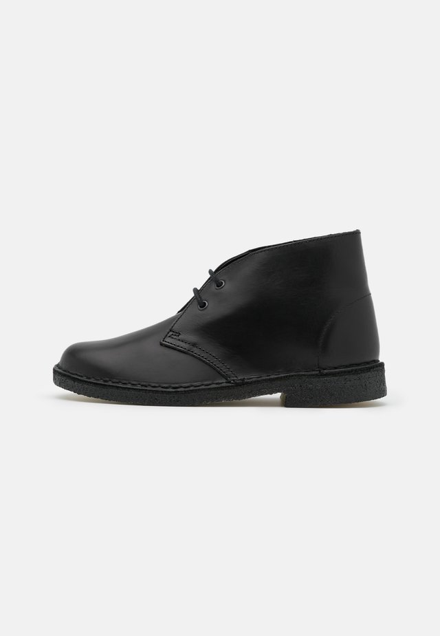 DESERT BOOT - Nilkkurit - black polished