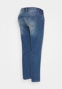 MAMALICIOUS - MARBELLA RIB CROPPED COMFY - Straight leg jeans - medium blue denim/washed - 1