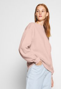 Abercrombie & Fitch - ITALICS SEAMED LOGO CREW - Sweatshirt - pink - 4