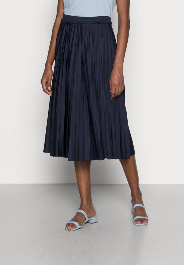 PLEATED SKI - Plisovaná sukně - navy