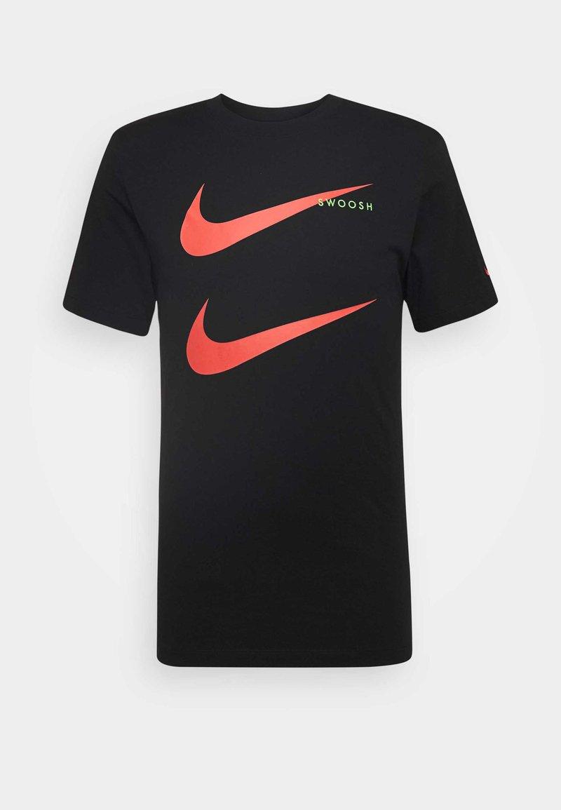Nike Sportswear - TEE - T-shirt med print - black/ember glow